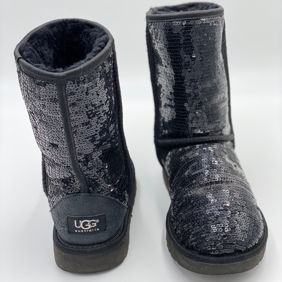 UGG Australia Women's LACHLAN Winter Waterproof Boots Black US Size 7 NWB